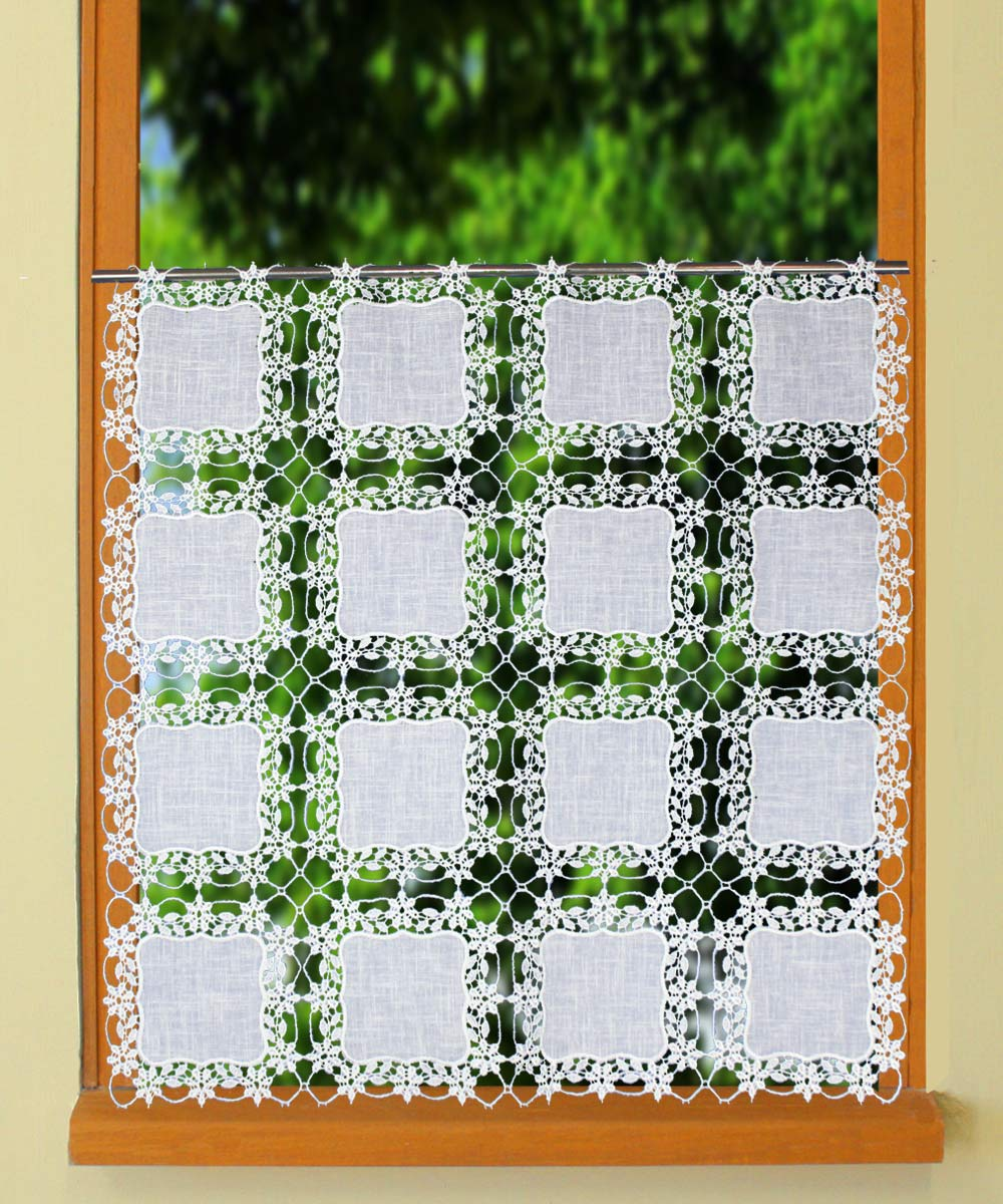 Square pattern curtain