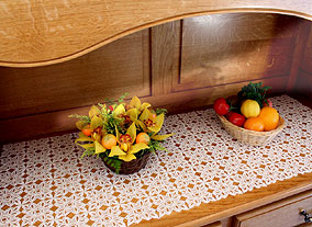Carine table-runner