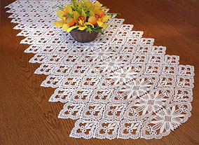 Tradition table runner