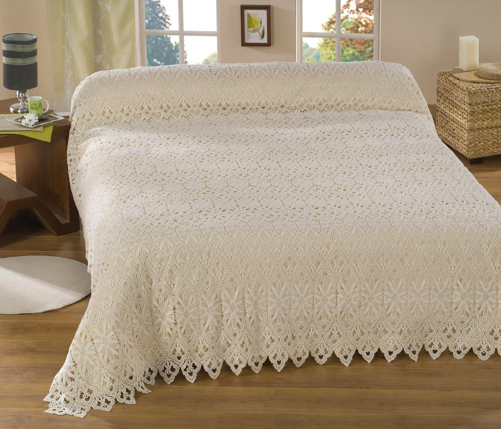 cream Lace beadspred Tradition