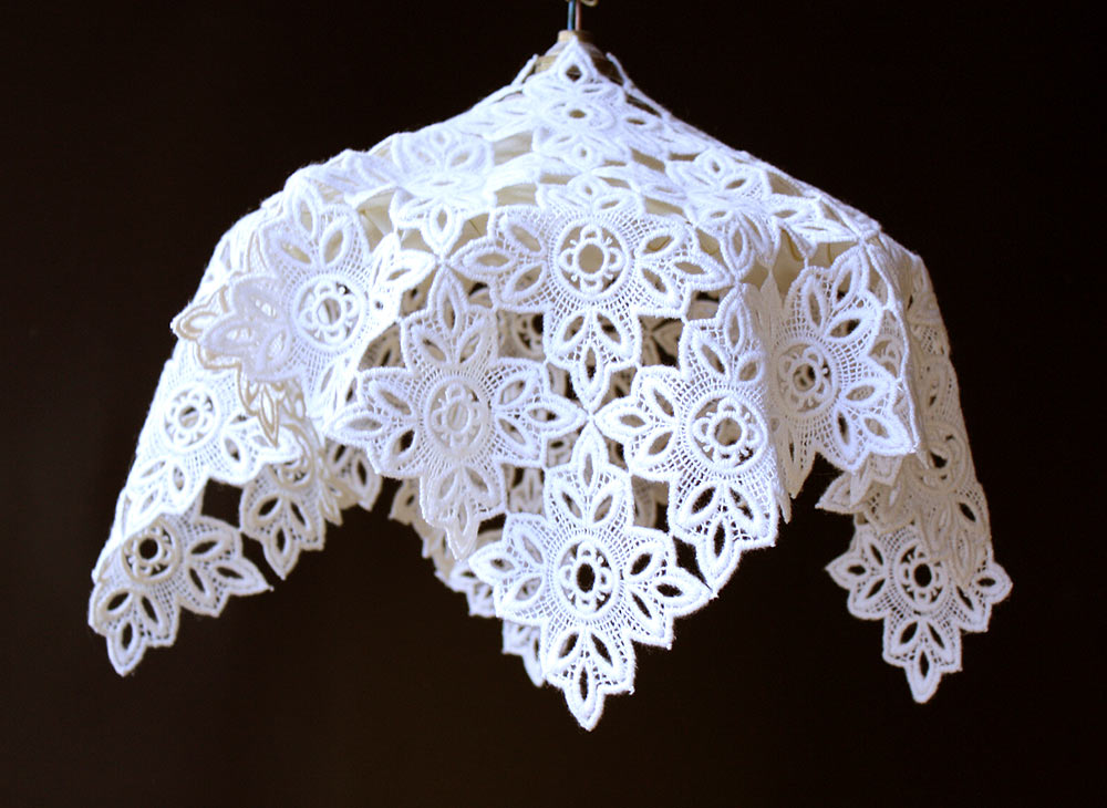 "Lace lamp shade ""Abat-jour"" in ecru"
