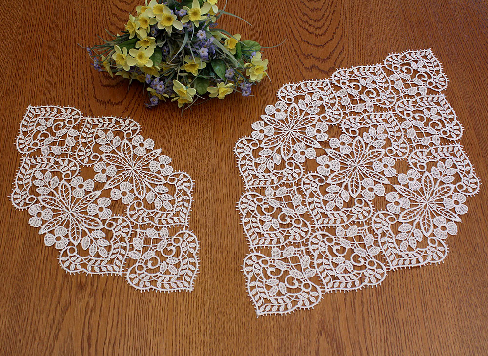 "Diamond  Lace doily ""Valentine"" in natural"
