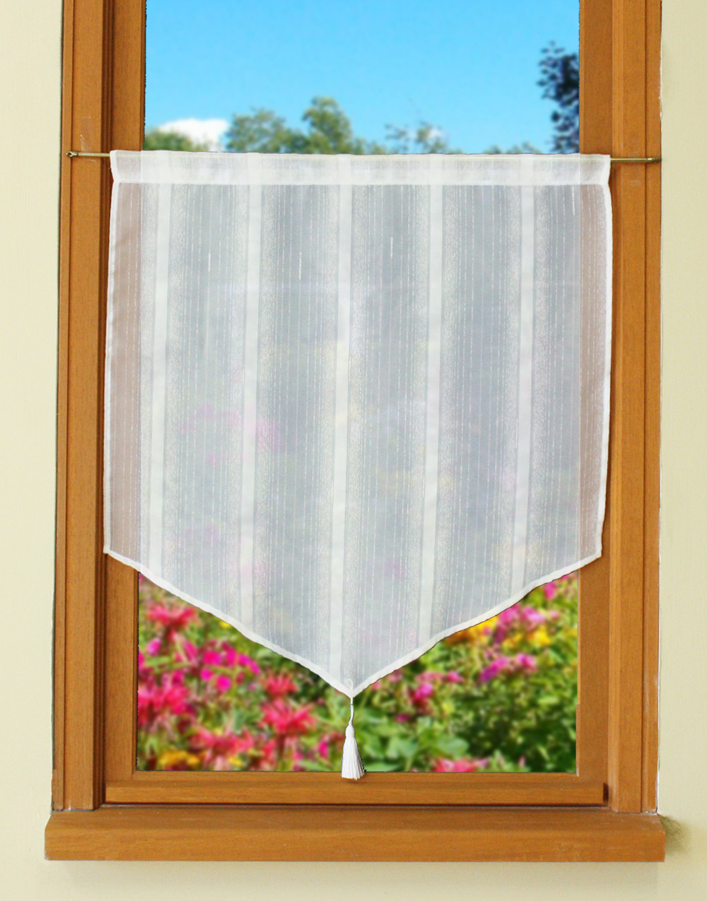 Pointed tier sheer curtain