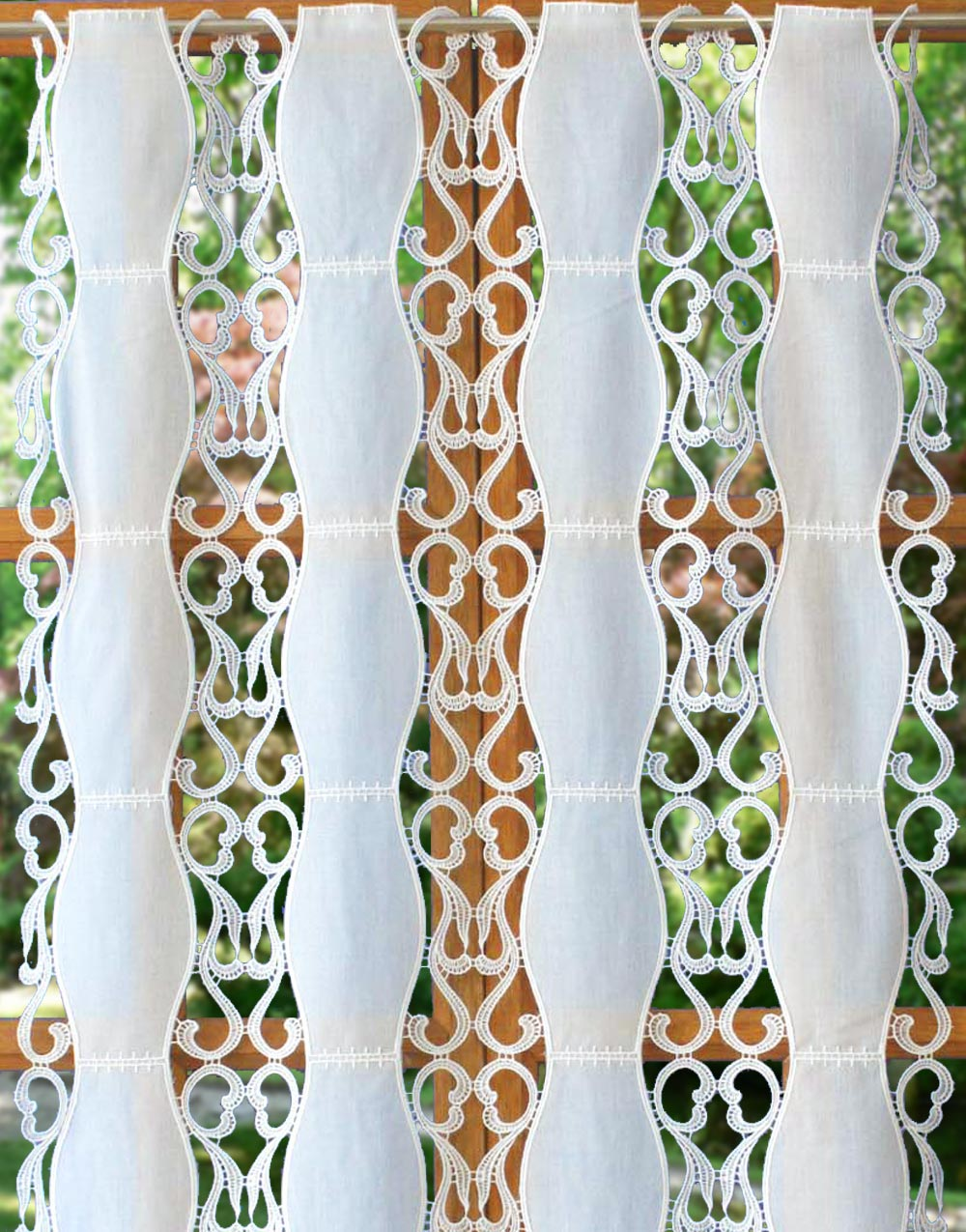 Harmonie lace curtain in 30 inches height