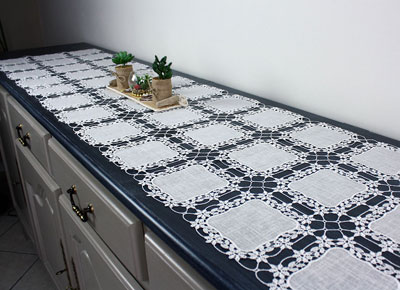 Macrame lace table runner Eloise