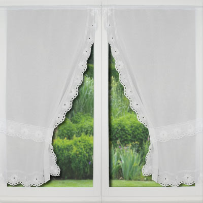 lace trimmed curtain Lucie